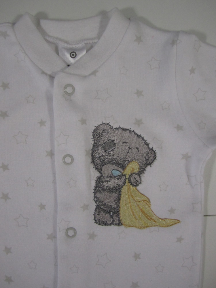 Teddy bear in the bathroom design on embroidered baby wear