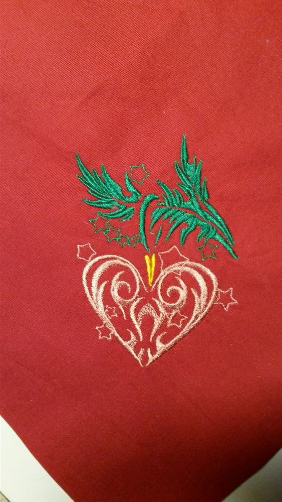 Embroidered Christmas Heart design
