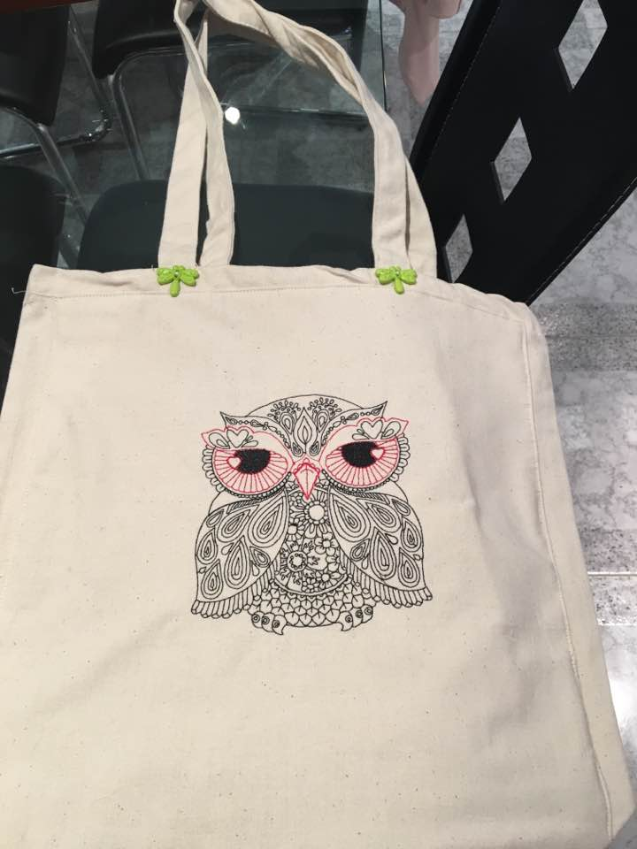 shopping bag with owl embroidery design