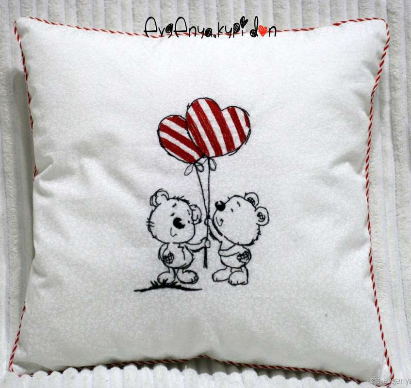Romantic pillow with bears date design