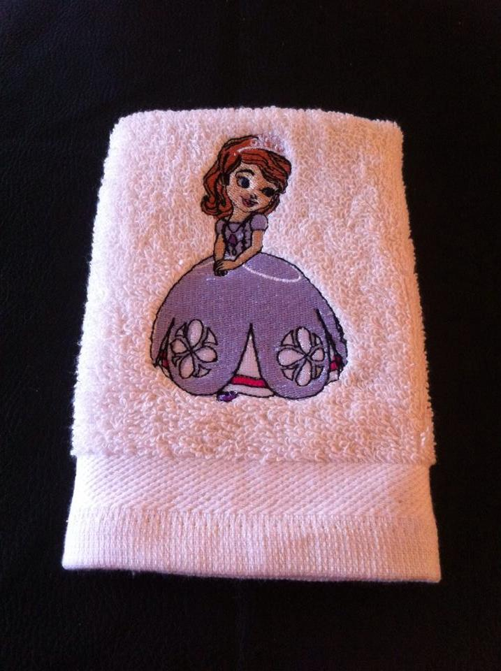 White embroidered towel with princess Sofia