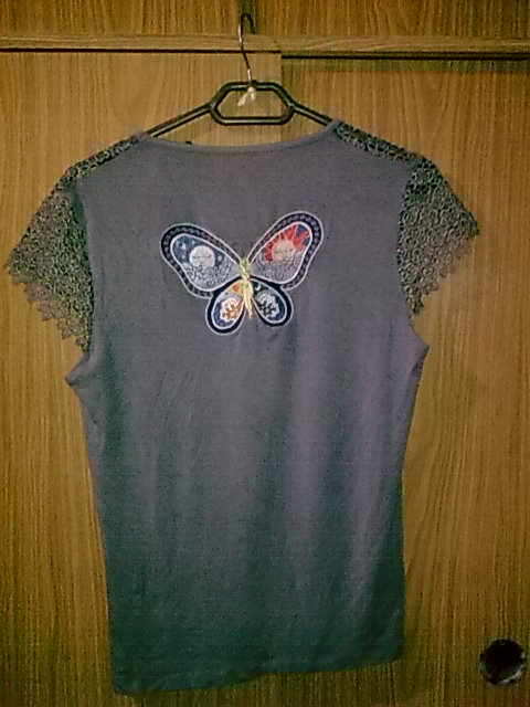 Blouse with Butterfly night and day free embroidery
