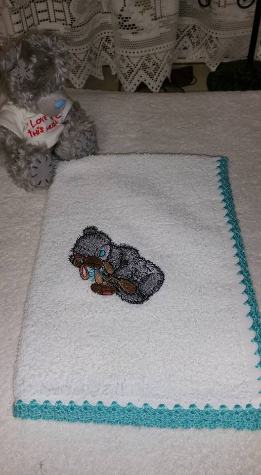 Napkin with Teddy bear and toy bunny embroidery