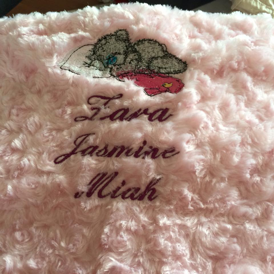 Soft blanket for girl embroidered with teddy bear design