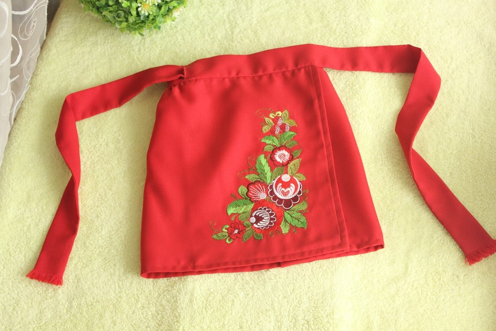 Kitchen apron with flower corner free embroidery design