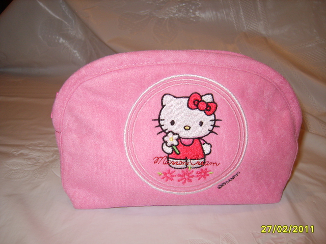 Hello Kitty good day design on bag embroidered