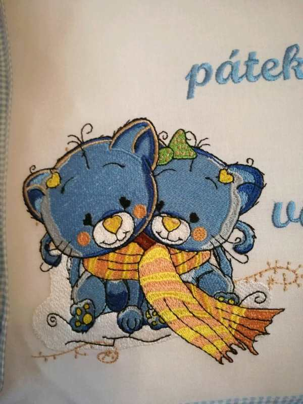 Embroidered kitten sisters design