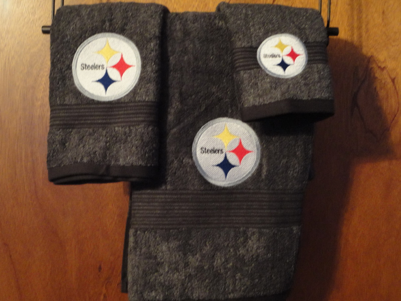 Pittsburgh Steelers logo design on embroidered bath towel