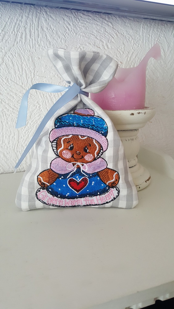 Gingers warm the heart embroidery design on bag