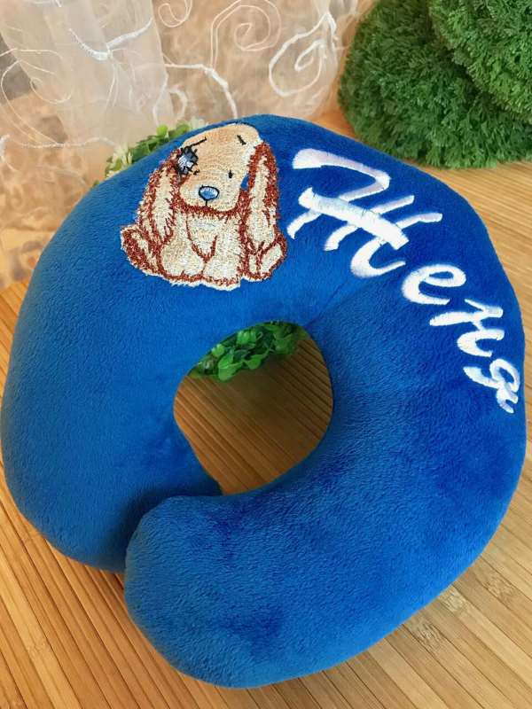 Head pillow with bixie embroidery design