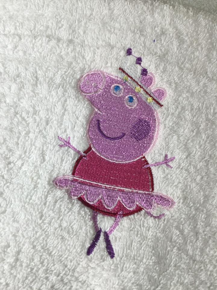 Peppa pig ballerina design on towel7