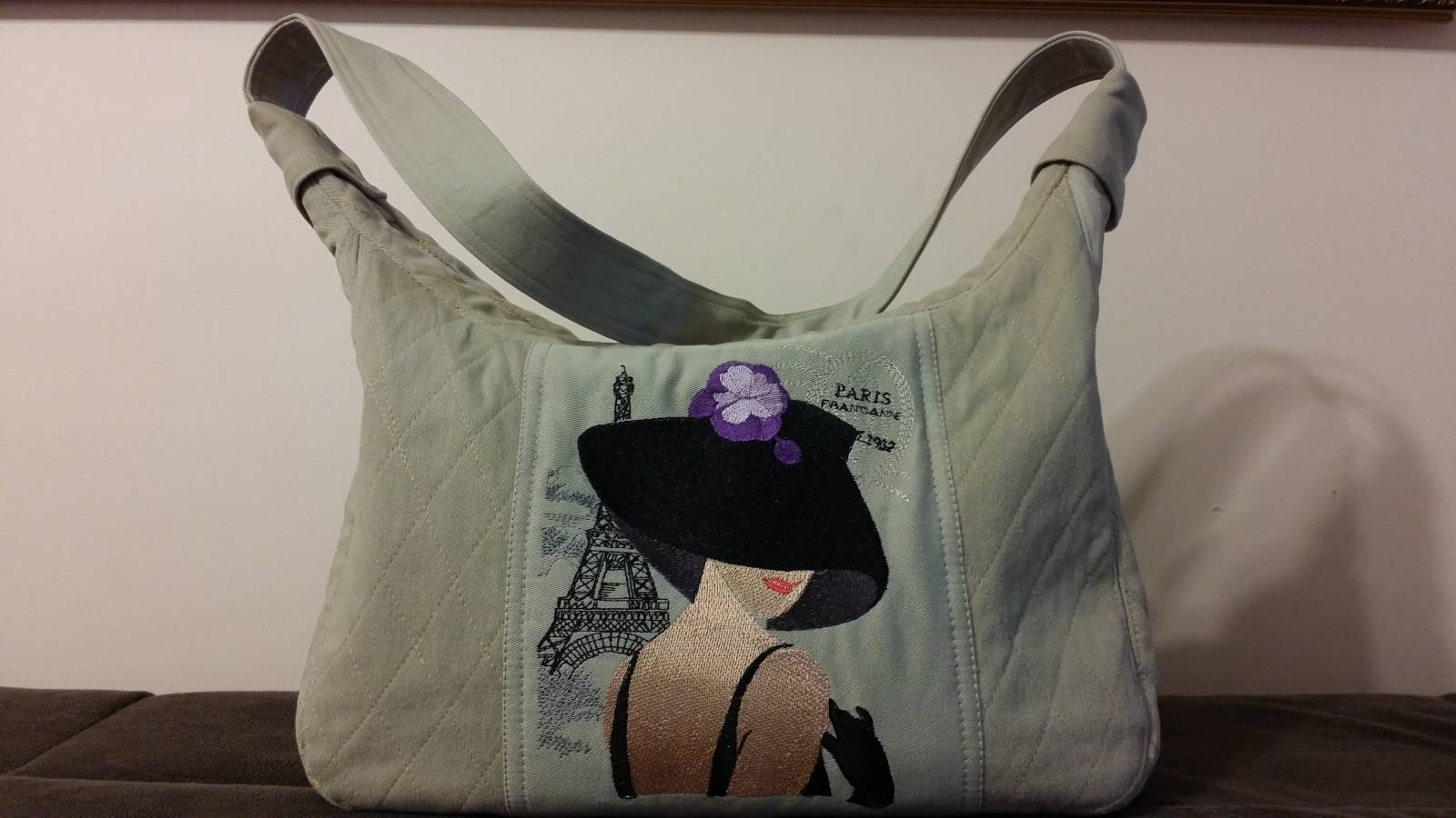 Woman bag  with embroidered French coquette