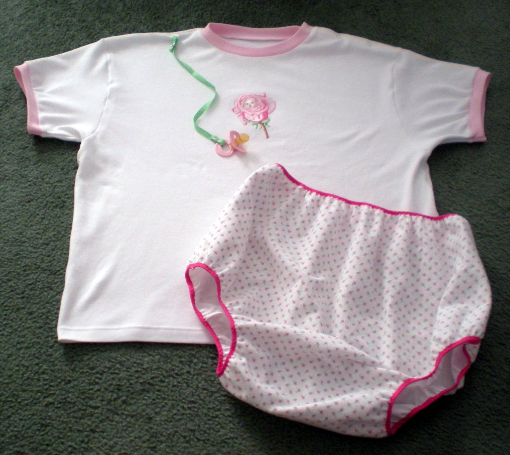 Flower baby design on baby wear embroidered