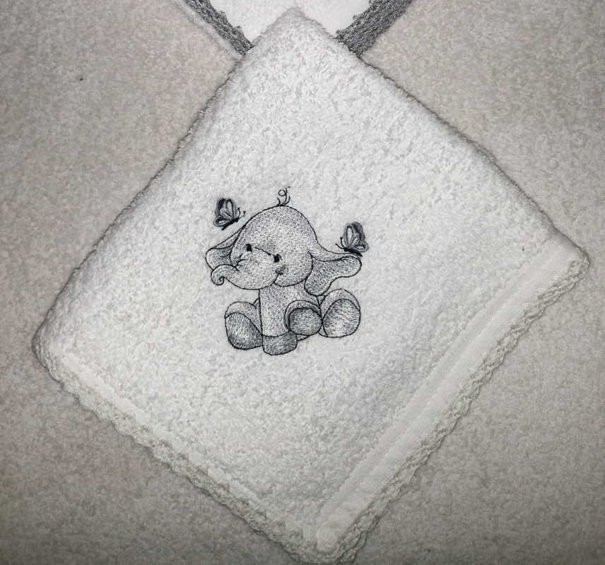 Embroidered bath towel with cute elephant design