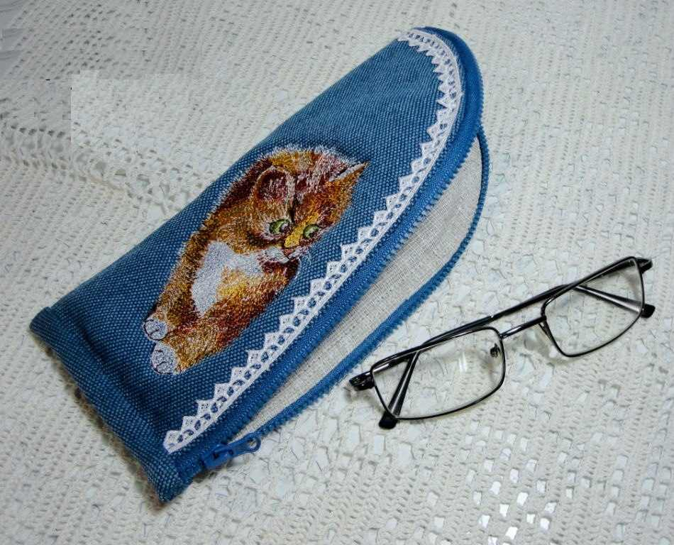 Denim cover glasses with kitten embroidery design