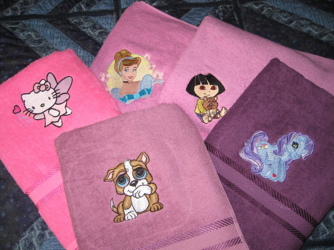 Girl's favorite cartoon heroes embroidered on towels