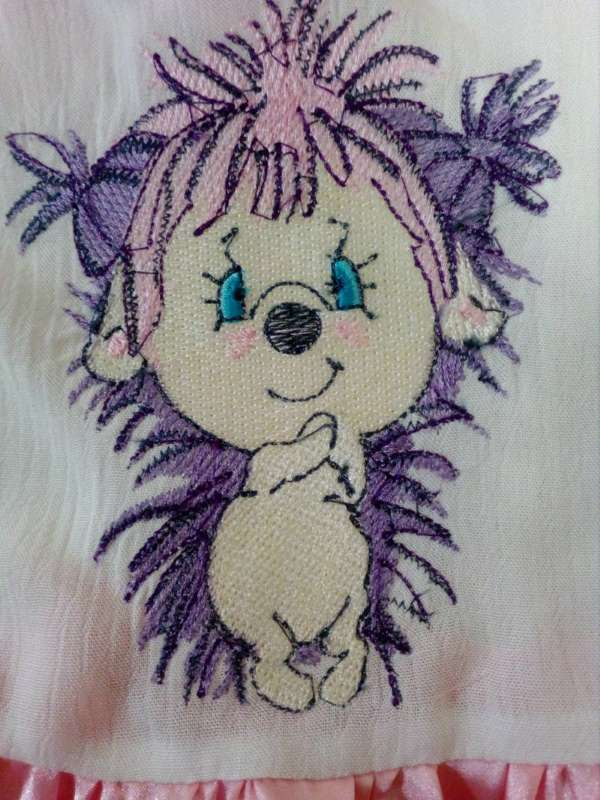 Pink hedgehog free embroidery design