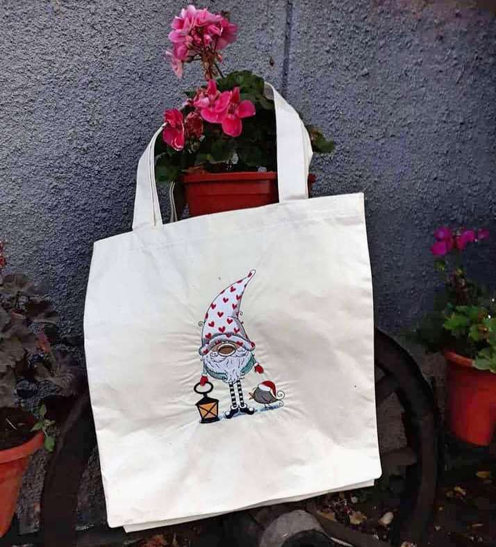 Embroidered shopping bag with gnome design