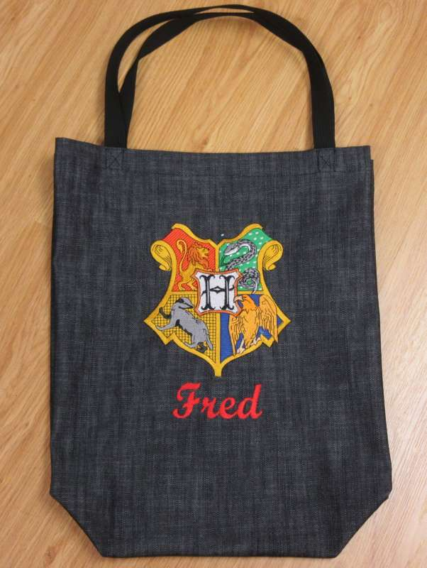 Shopping bag with Coat of Arms of Hogwarts logo embroidery design