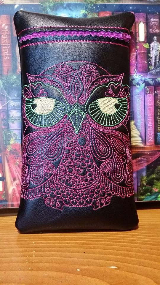 Small bag with embroidered owl