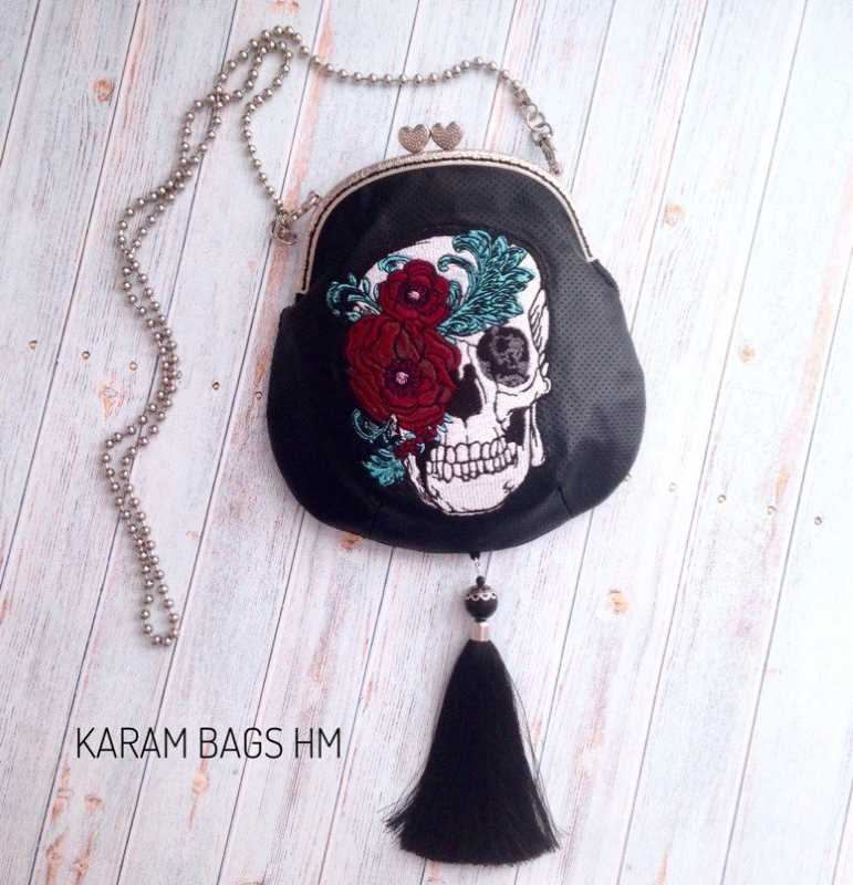 Women bag with skull and flowers embroidery
