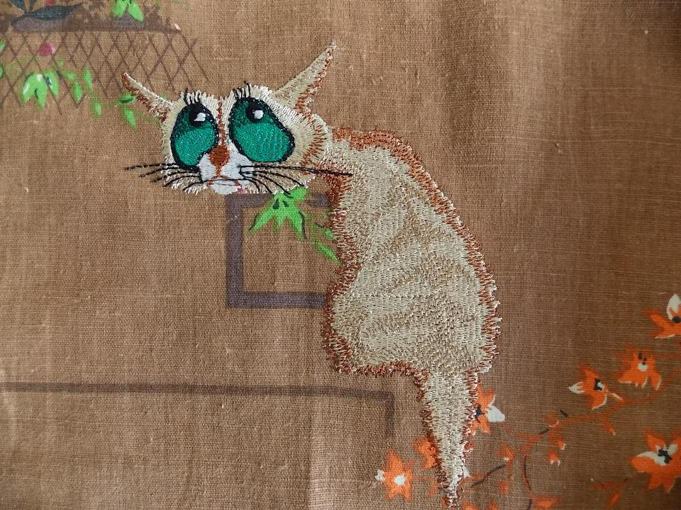 Embroidered nostalgic cat