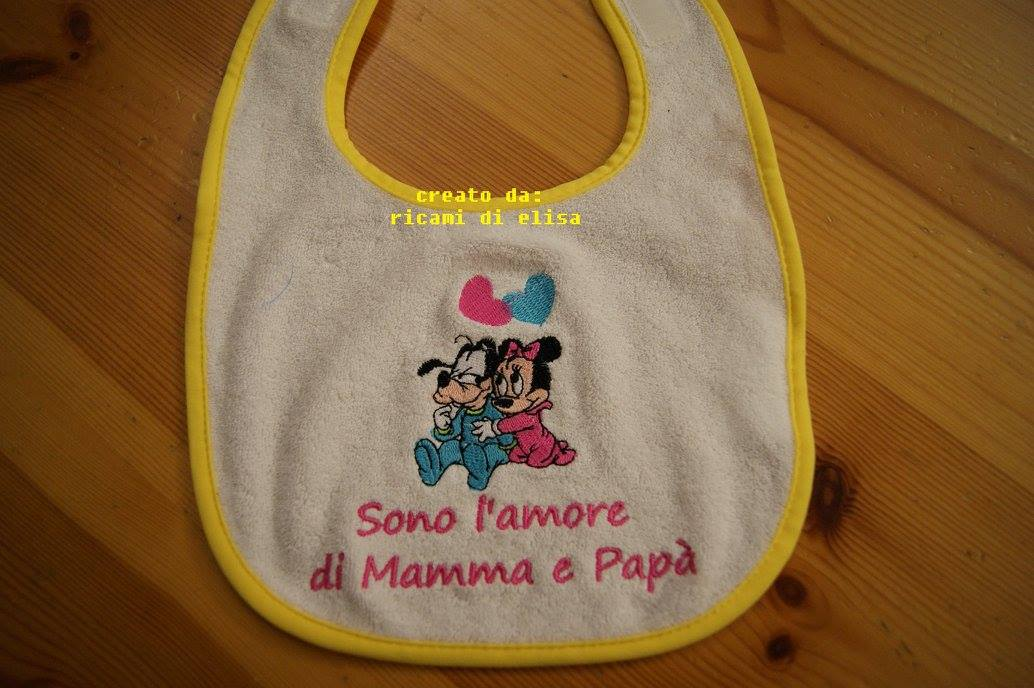 Goofy and Minnie we love design on bib embroidered