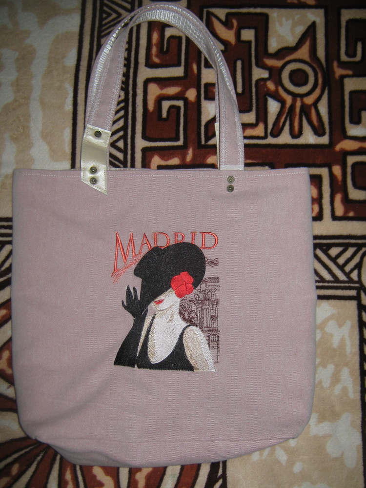 Spanish coquette design on bag embroidered