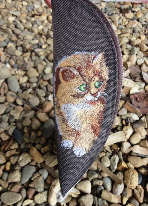 Case for glasses with cute kitten embroidery design