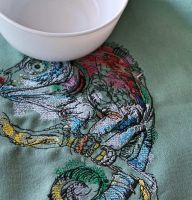 Lizard embroidered in cotton design