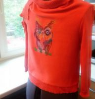Owl in colors design on sweater3