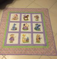 Classical quilt with Old Toys bears embroidery designs