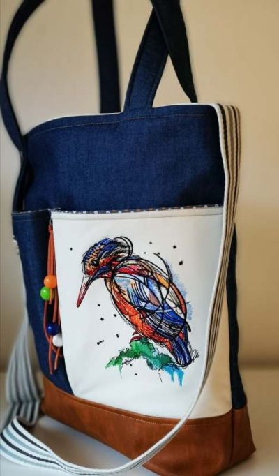 Women's bag with birdie embroidery design