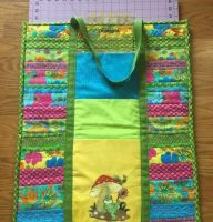 Beach bag with happy frog embroidery design