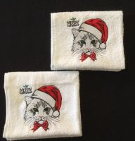 Bath towels with Christmas cat embroidery design