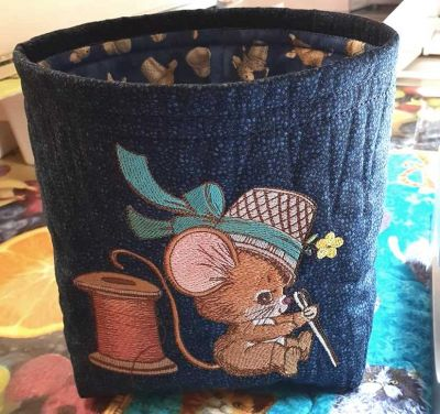 Soft basket with Sewing mouse embroidery design