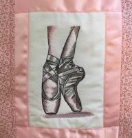 Quilt block with pointe shoes embroidery design