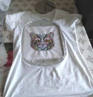 Embroidered t-shirt with mosaic cat design